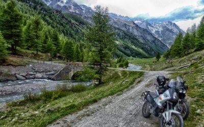 In Val Argentera a Sauze di Cesana nei mesi di luglio-agosto l'accesso per i mezzi motorizzati è a pagamento