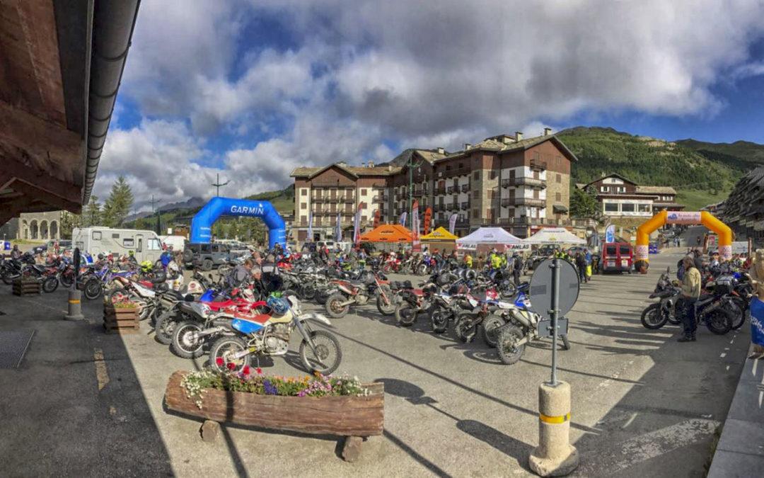 """Nell'ultimo week-end di giugno torna sulle strade sterrate di alta quota della alte Valli Susa e Chisone """"In Moto oltre le nuvole"""" organizzata da Over2000riders diventa """"Hat Sestriere AdventourFest"""""""