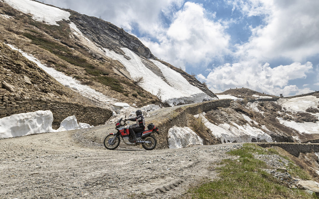 It's a few hours to the official opening of the Colle delle Finestre for the 2019 season. With the ordinance of the Metropolitan City of Turin the SP172 will be formally practicable