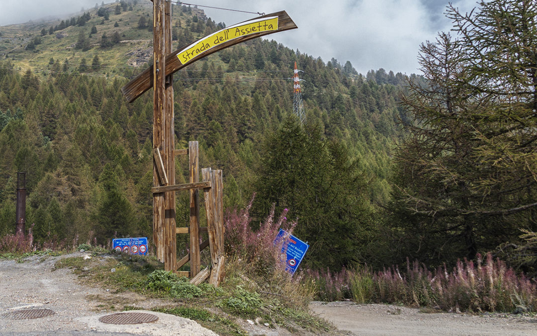 Assietta Road: ban on transit in Sestriere's land from august 26thto October 15thfor works. Downhill and uphill allowed from Sauze d'Oulx and Usseaux only.
