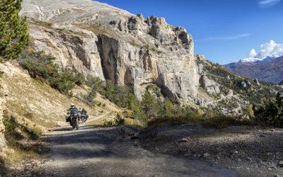 Strada Pramand-Jafferau-Foëns: entra in vigore il regolamento con pesanti limitazioni al traffico motorizzato. Moto e auto potranno salire solo il mercoledì e il sabato