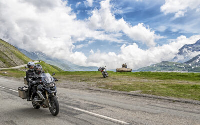 Lunedì 15 giugno inizia finalmente la vera stagione 2020 del mototurismo in Valsusa e Alta Val Chisone: riaprono Moncenisio, Monginevro e il Colle delle Finestre